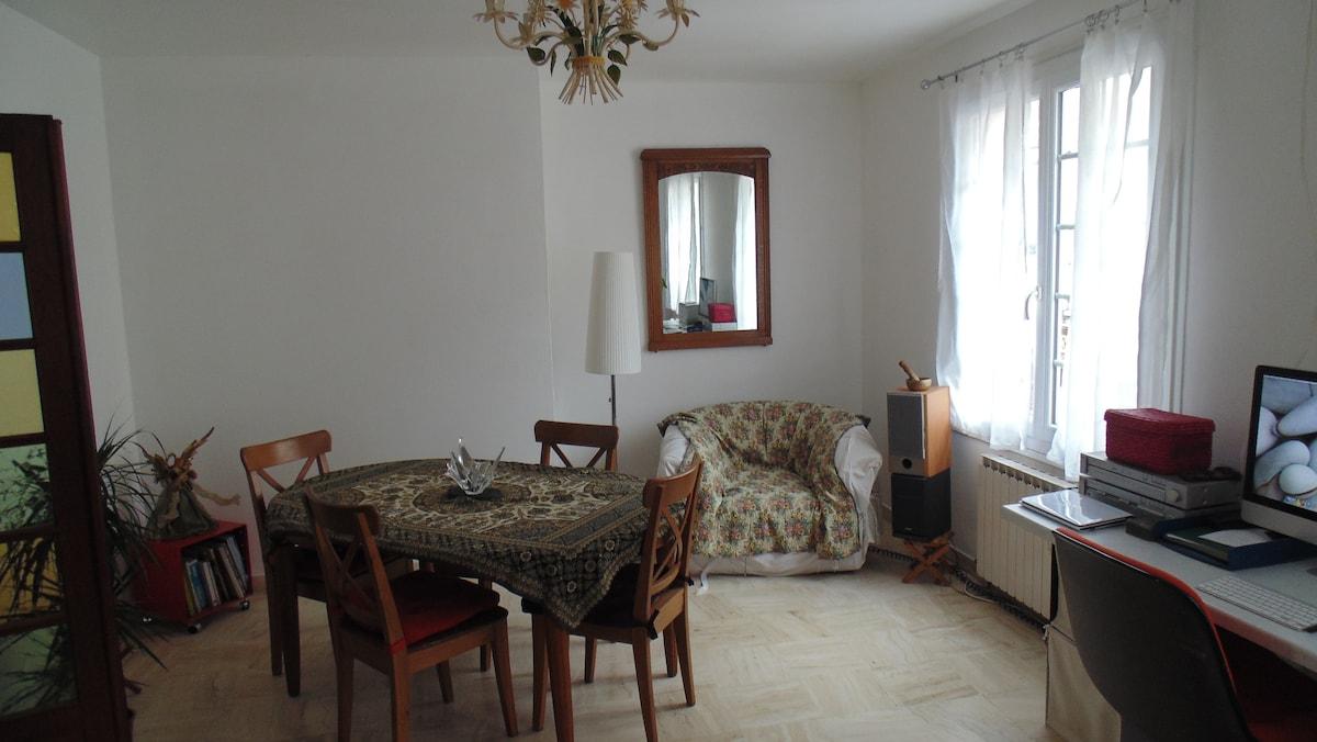 appartement  dans ville médiévale