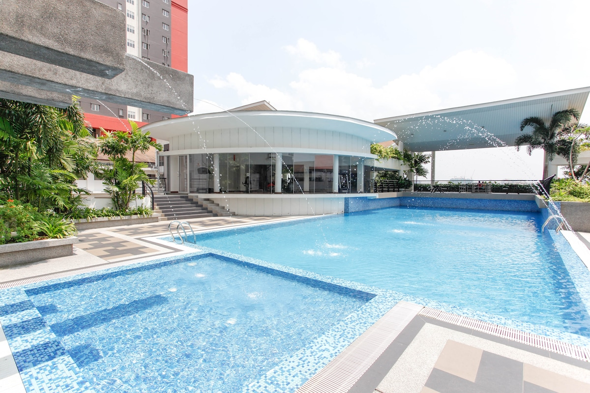 Pool, Gym and Picnic Area All With Breathtaking Petronas Towers (KLCC) Views