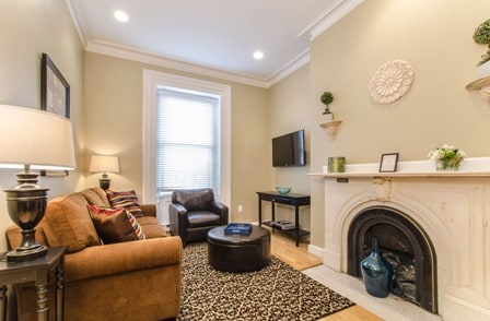 [1277/1] 1BR on Beacon St- Back Bay