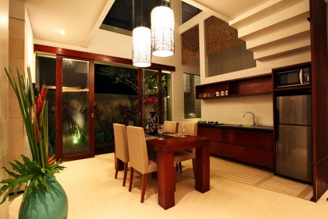Dine and kitchen