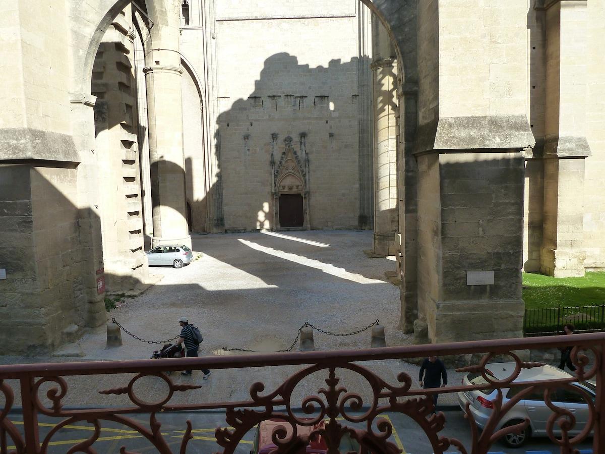 La cathédrale vue du salon