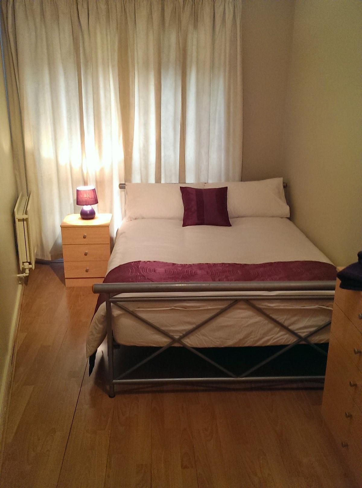Bedroom with plenty of space