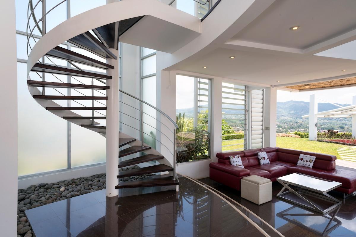 Luxury Home in Atenas Costa Rica