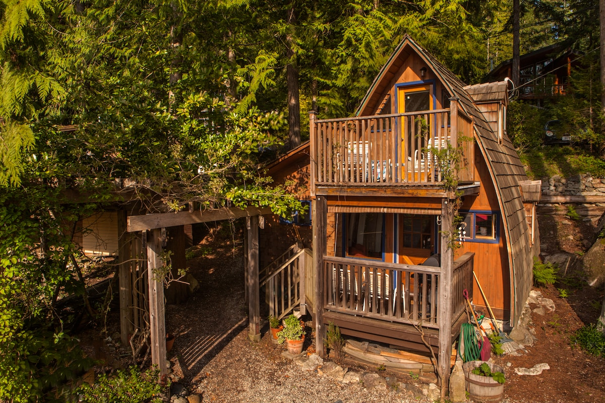 Cozy Cabin with Ocean View #1