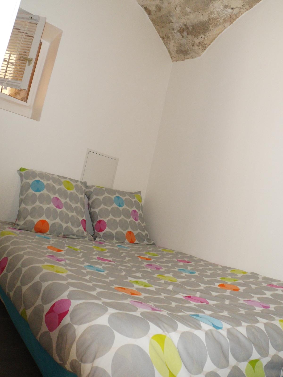 Chambre et son lit double
