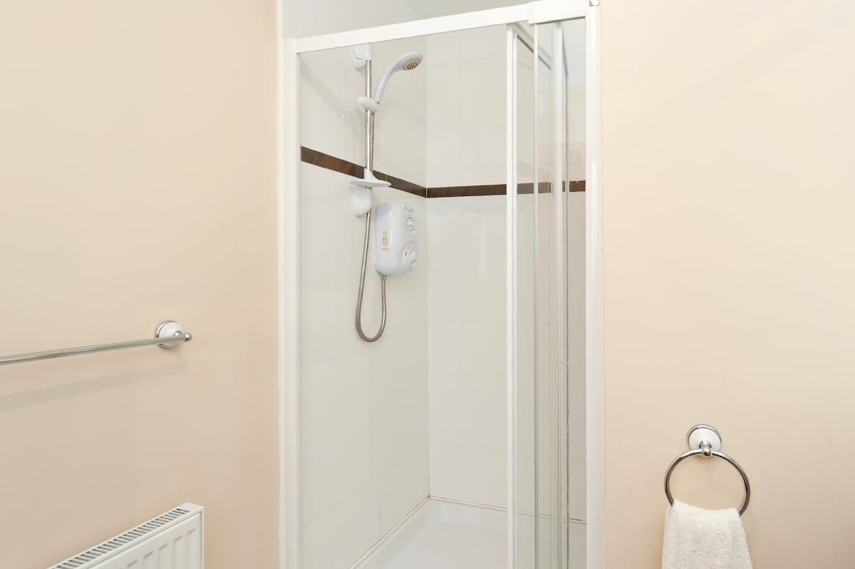 Spacious Ensuite in central Naas