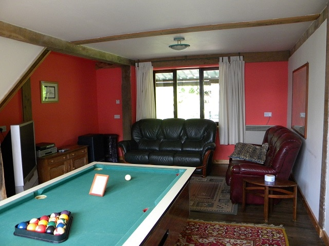 Lounge with pool table, free to air TV