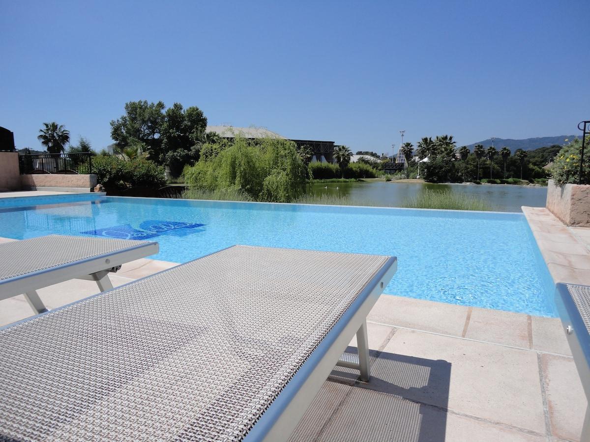 Chambre dans Villa proche Cannes