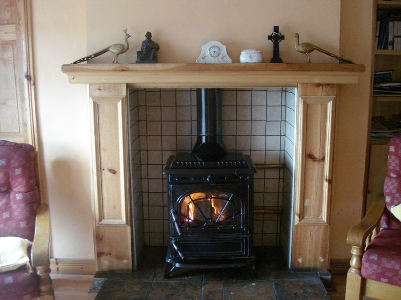 Turf fire in Sitting room with TV