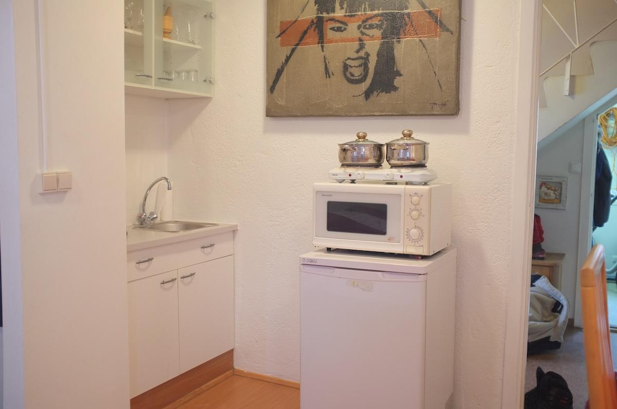 Cosy Studio.apt. ! with hot-tub ;-)