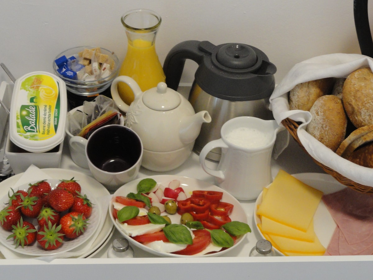 This is our typical breakfast which you will be waiting for you on the indicated hour