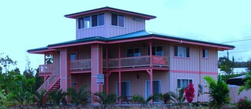 House that sleeps 7 near Beach!