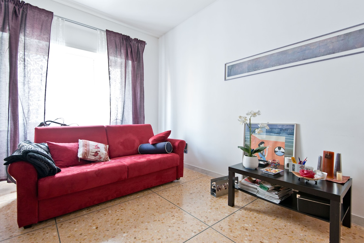 Lovely double bedroom in Rome