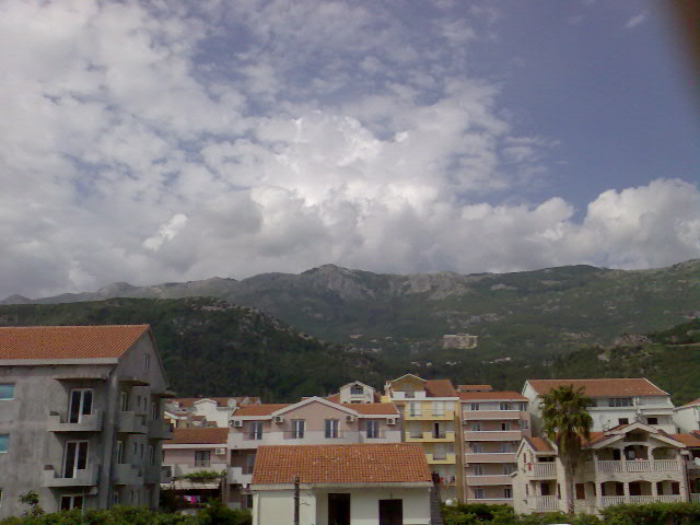 APARTMENT IN BUDVA NEAR THE SEA