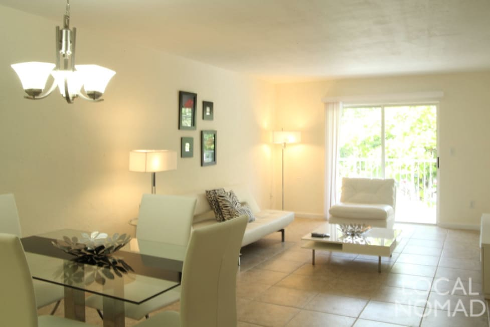 spacious living and dinning areas, all rooms come with Free Wifi!