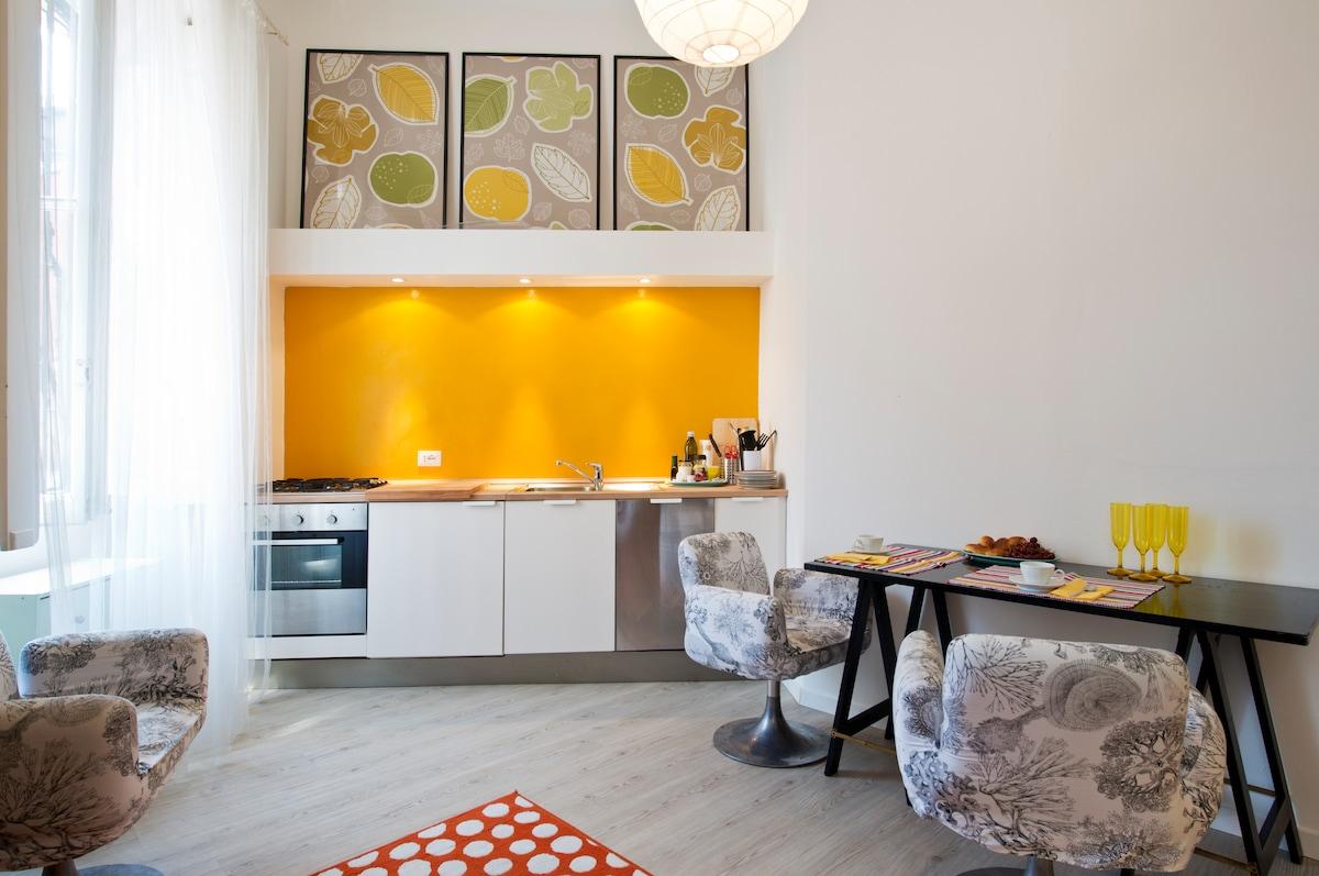 Independent renewed apartment