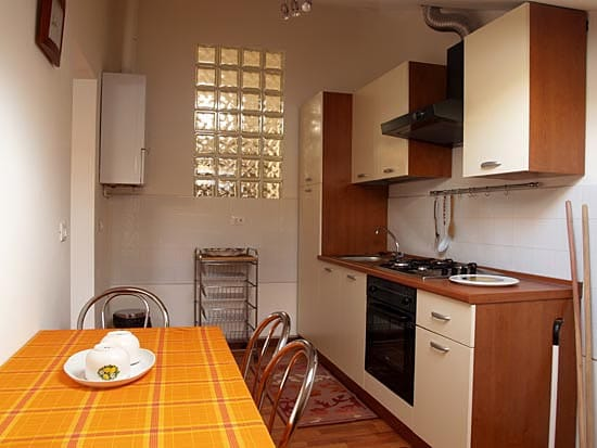 A CONFORTABLE KITCHEN