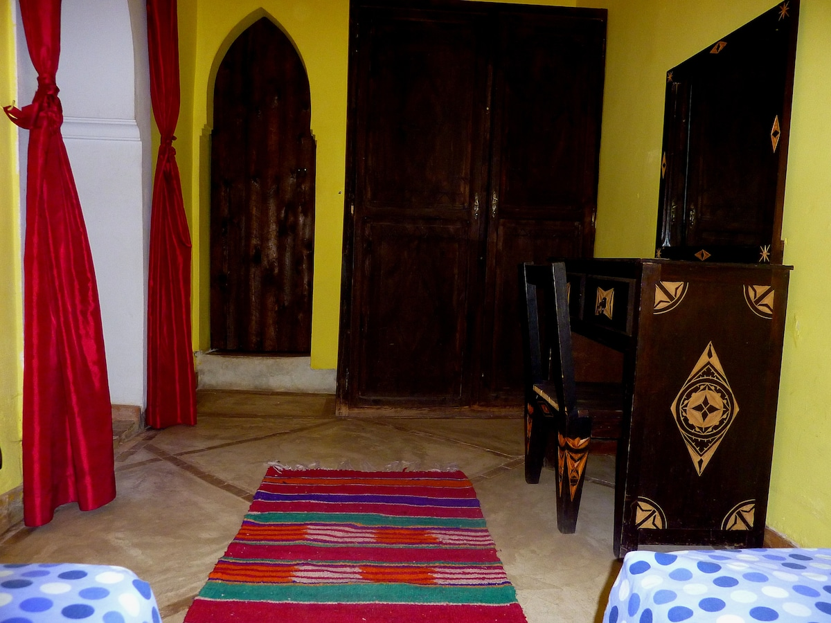 Twin Room Ensuite in  the Medina,