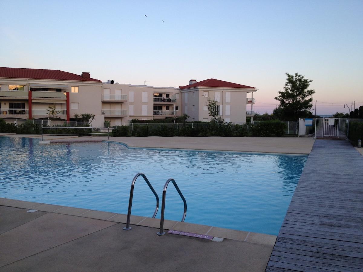 Studio standing avec piscine plage