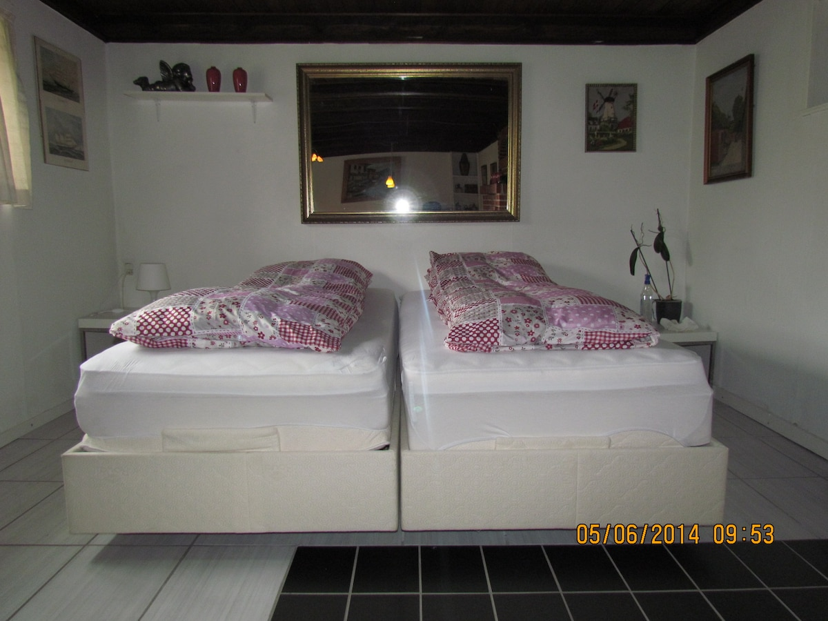 Master bedroom with adjustable beds were you will sleep like a dream :-)