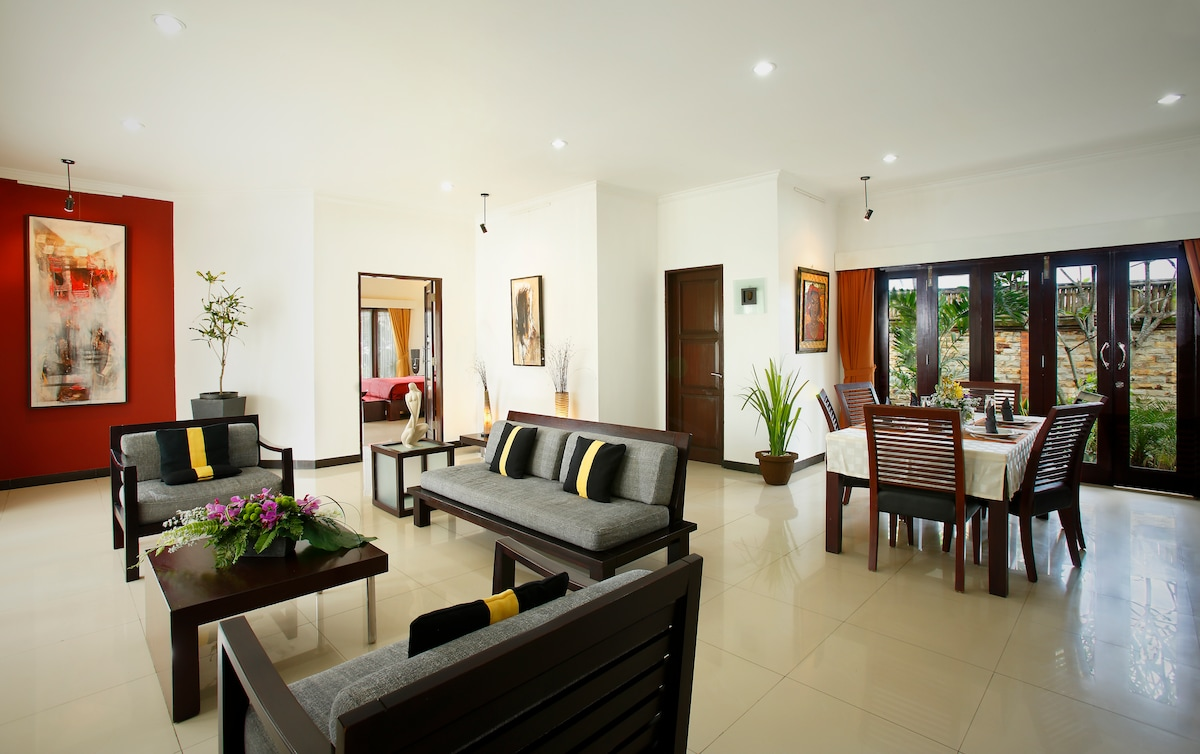 The spacious living room of our BEACH villa.