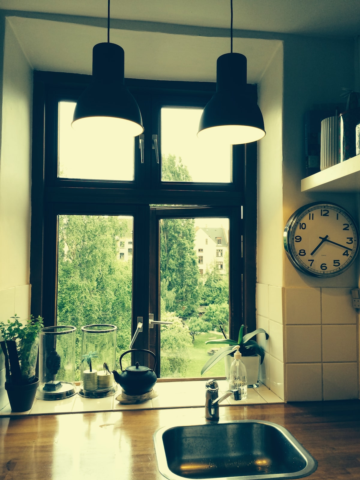 Cosy kitchen view.