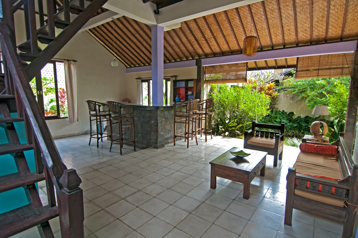 Private 2 bed/2 storey
