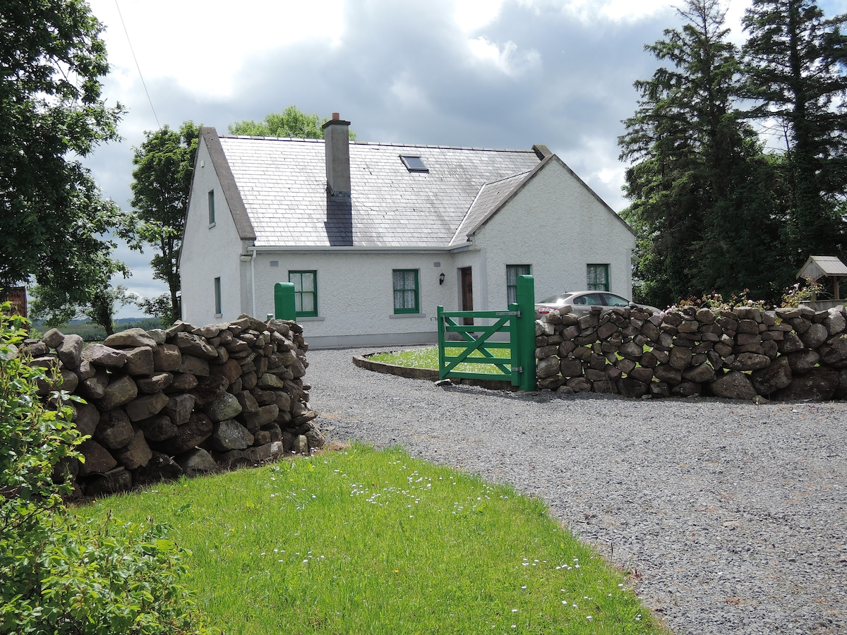 Derreen Country Home