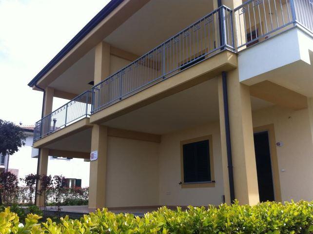 Nuovissimi appartamenti fronte mare