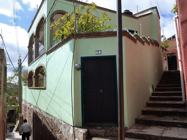House viewed from the callejon.