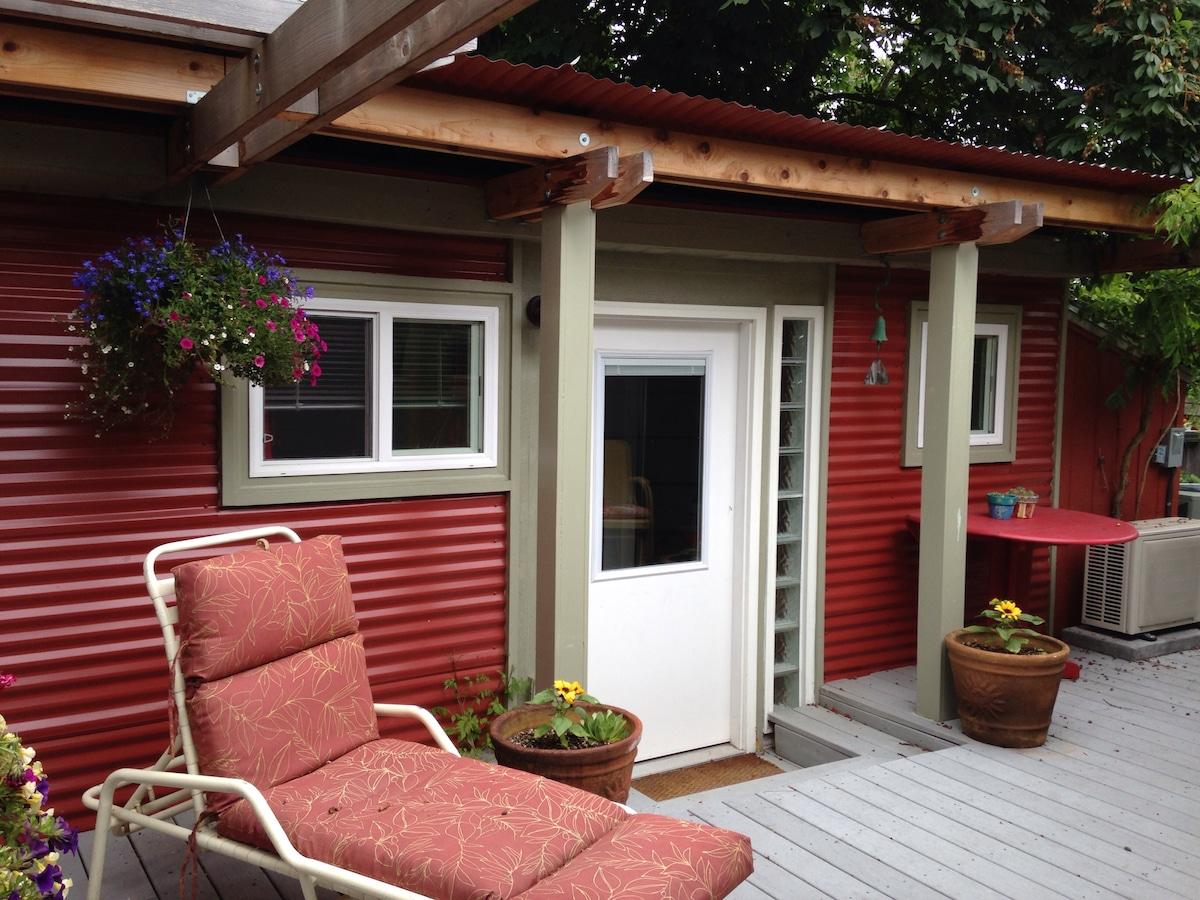 Tiny House - Garden Cottage