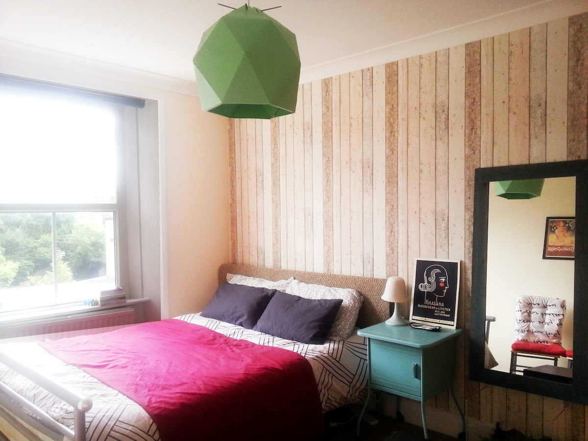 Lovely Double room in Camden Town