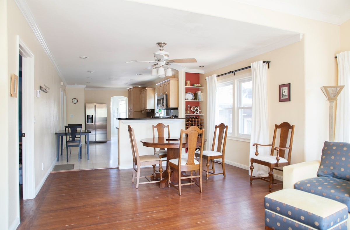 Expandable dining room table and a breakfast table in the kitchen
