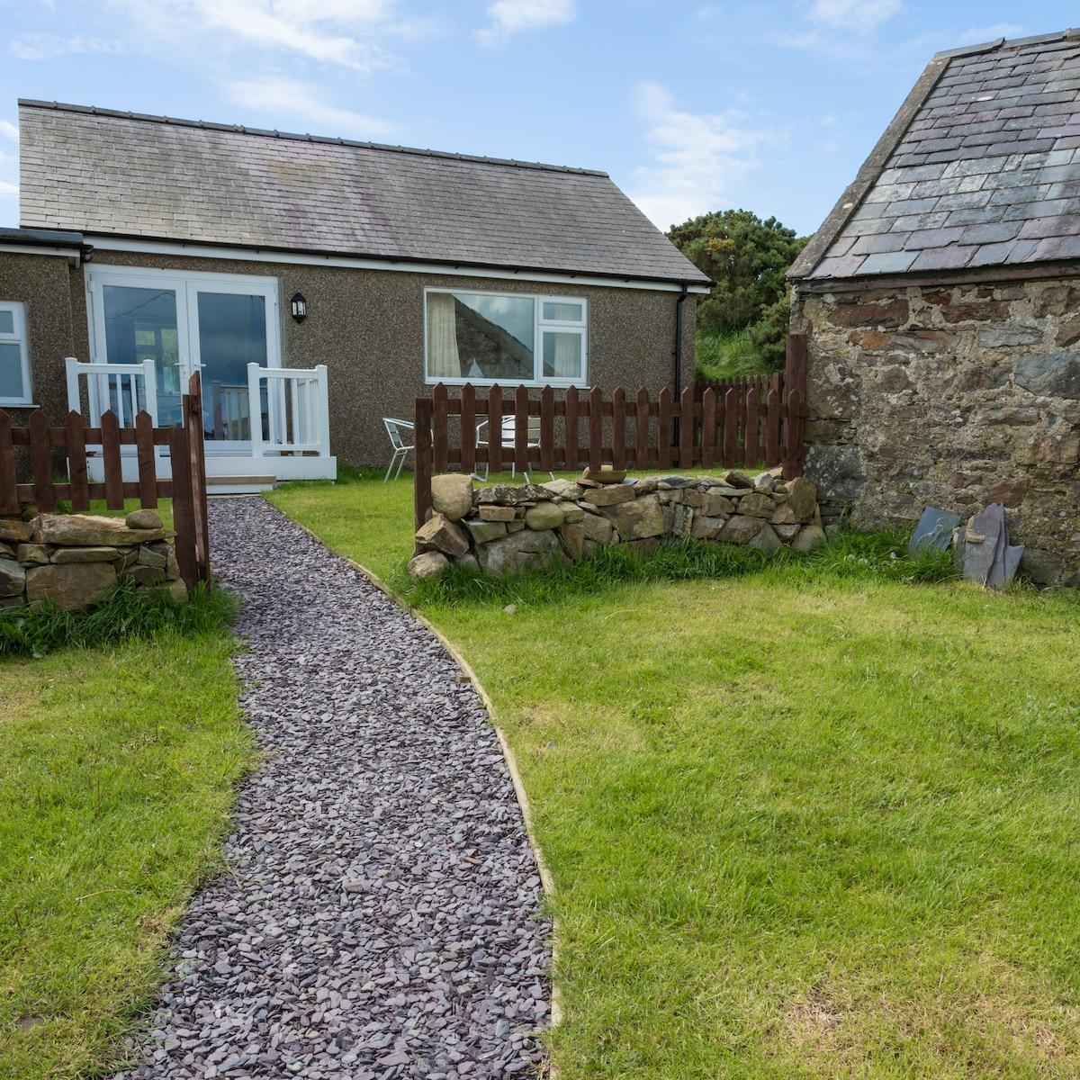 Cottage near beaches & coastal path