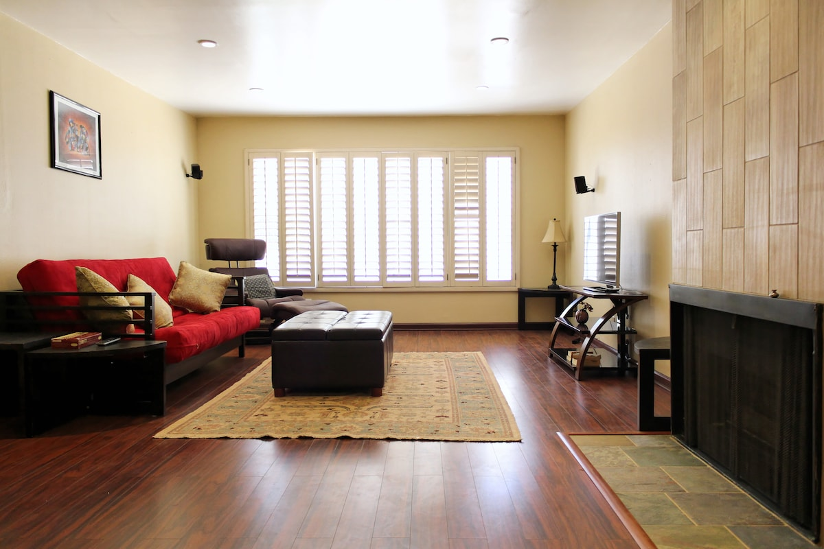 2 Bedroom 2 bath remodeled condo