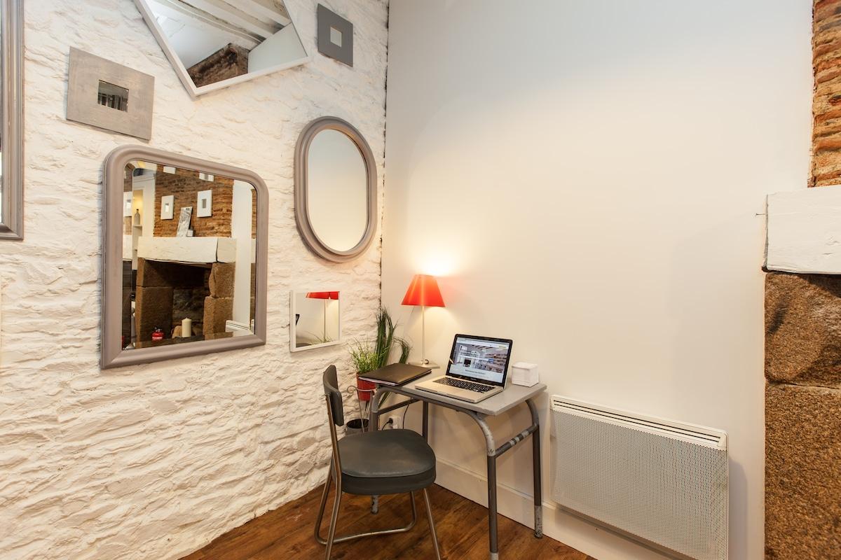Un petit coin bureau pour vos soirées studieuses