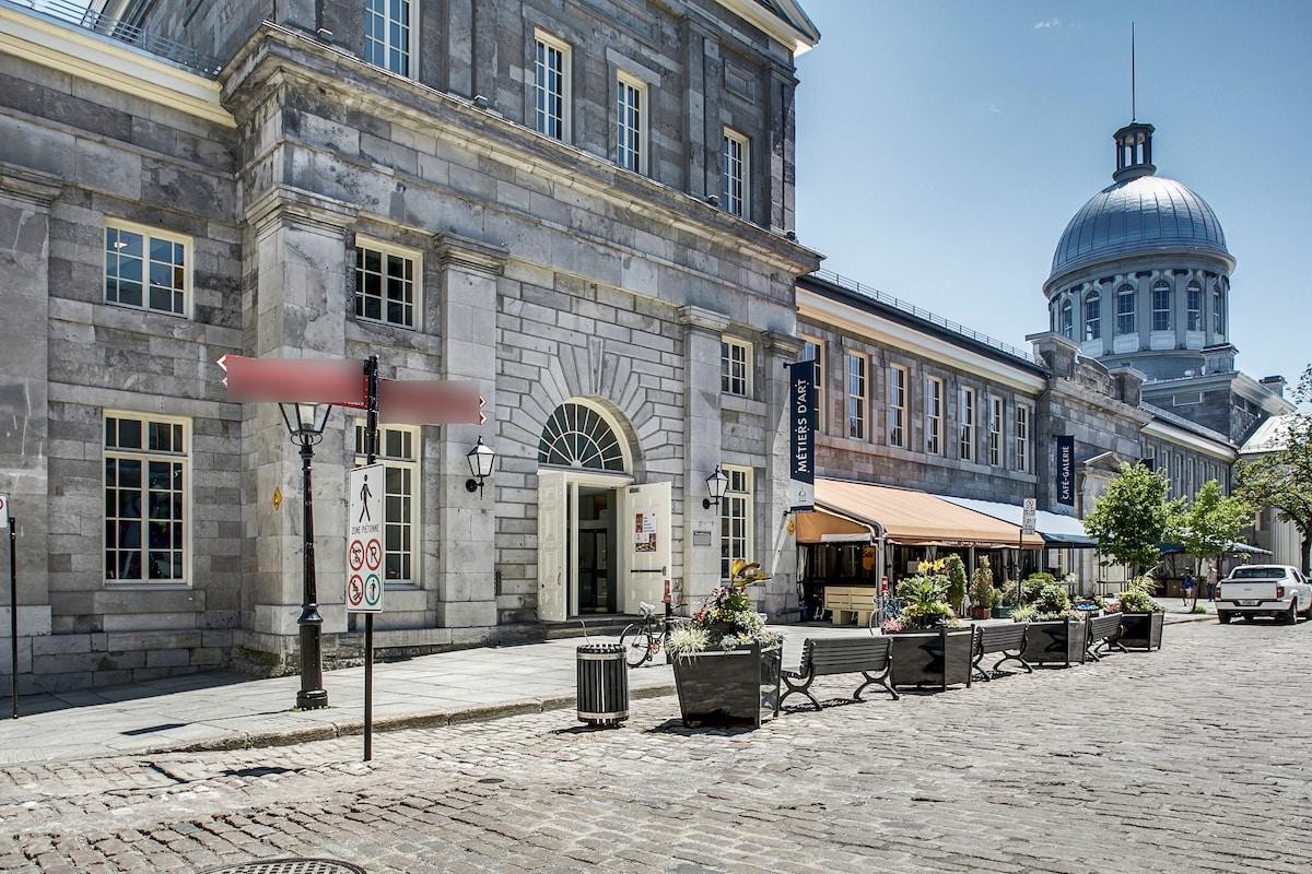 Historic 18 th Century Apartment