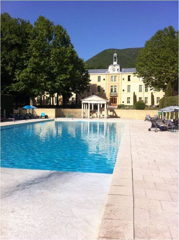 Chateau-apartment Provence 2-4 pers