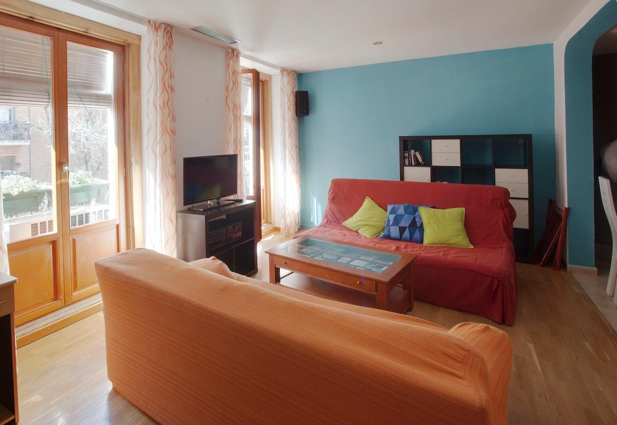 living room and balconies -- salón y balcones