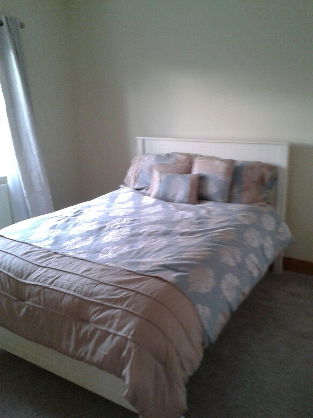 Cosy double bed with parking