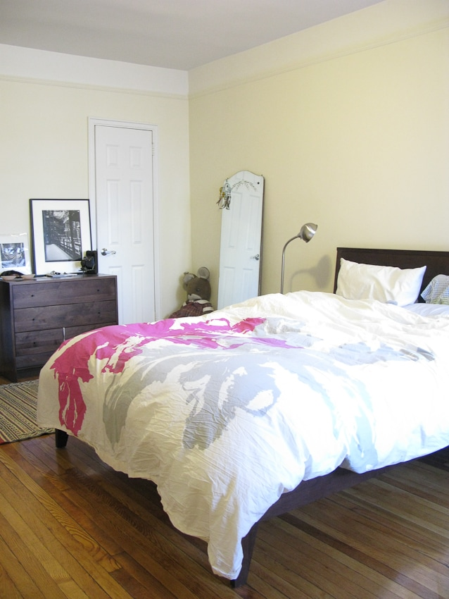 Large Bedroom with 2 closets and high thread count beddings.