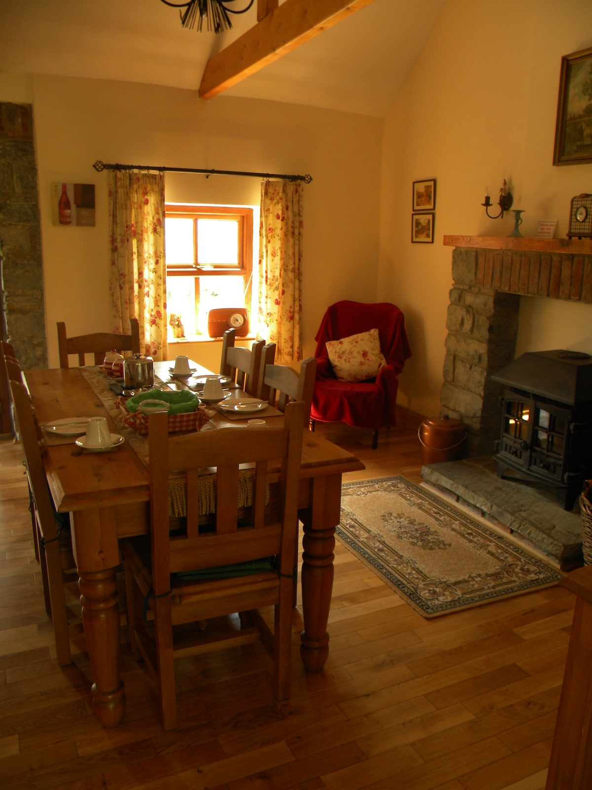 Historic & Luxourious Hazel Cottage