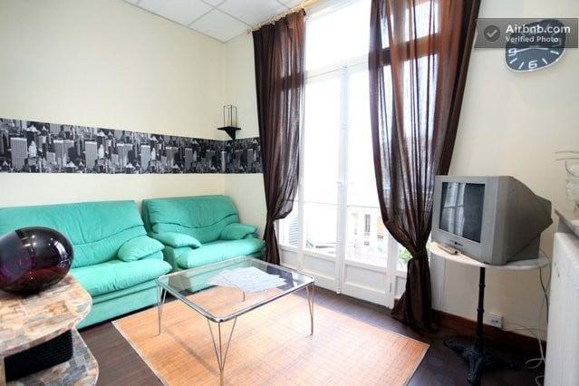 """""""Chambre + salon"""" Le SALON"""