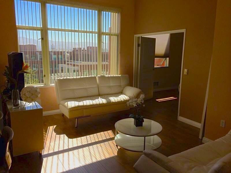 Perfect 1BR Emeryville Condominium
