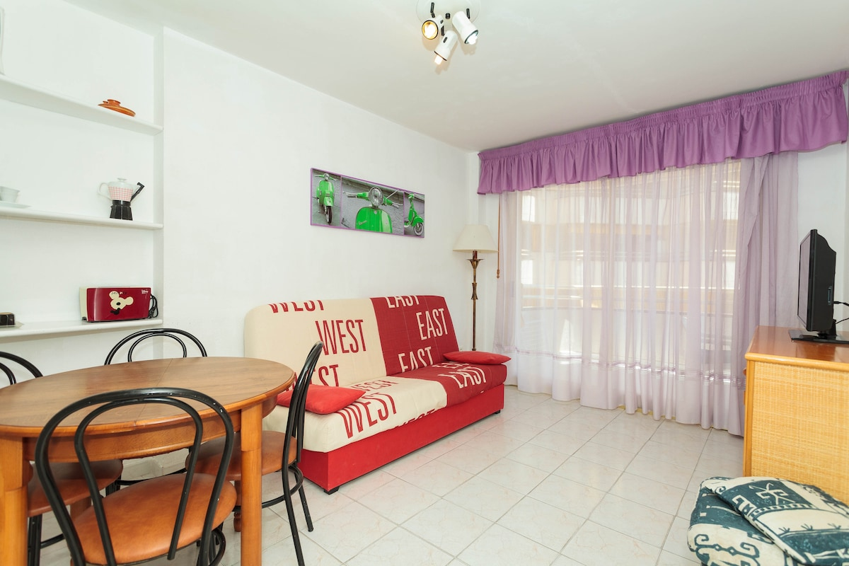 Apartment Salou center with 3 pools