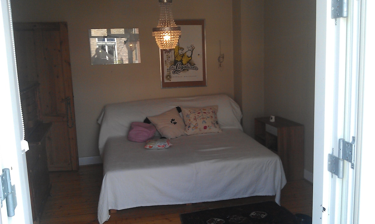 Bedroom with doublebed. Can be  convertede to two single beds.