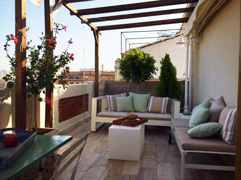 Cosy, sunny penthouse + wifi