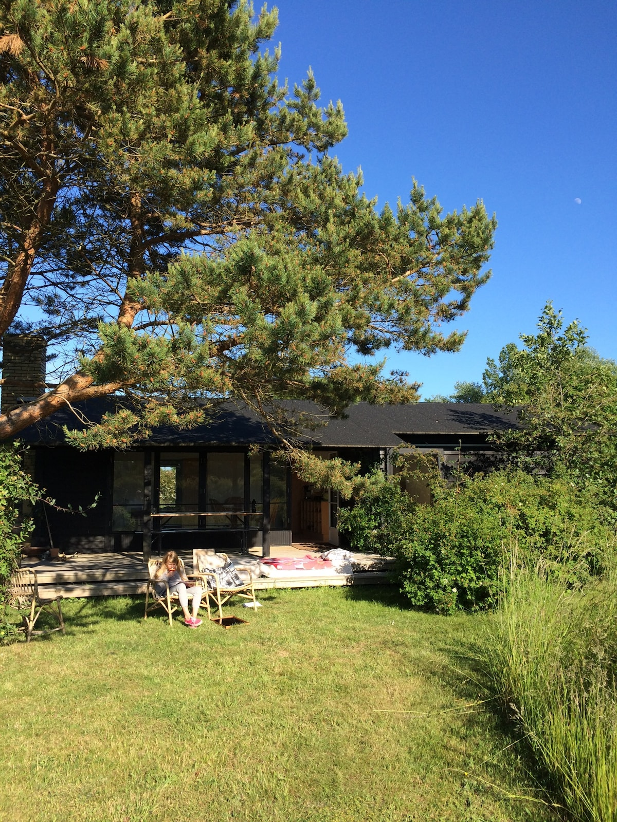 Architects idyllic summer retreat