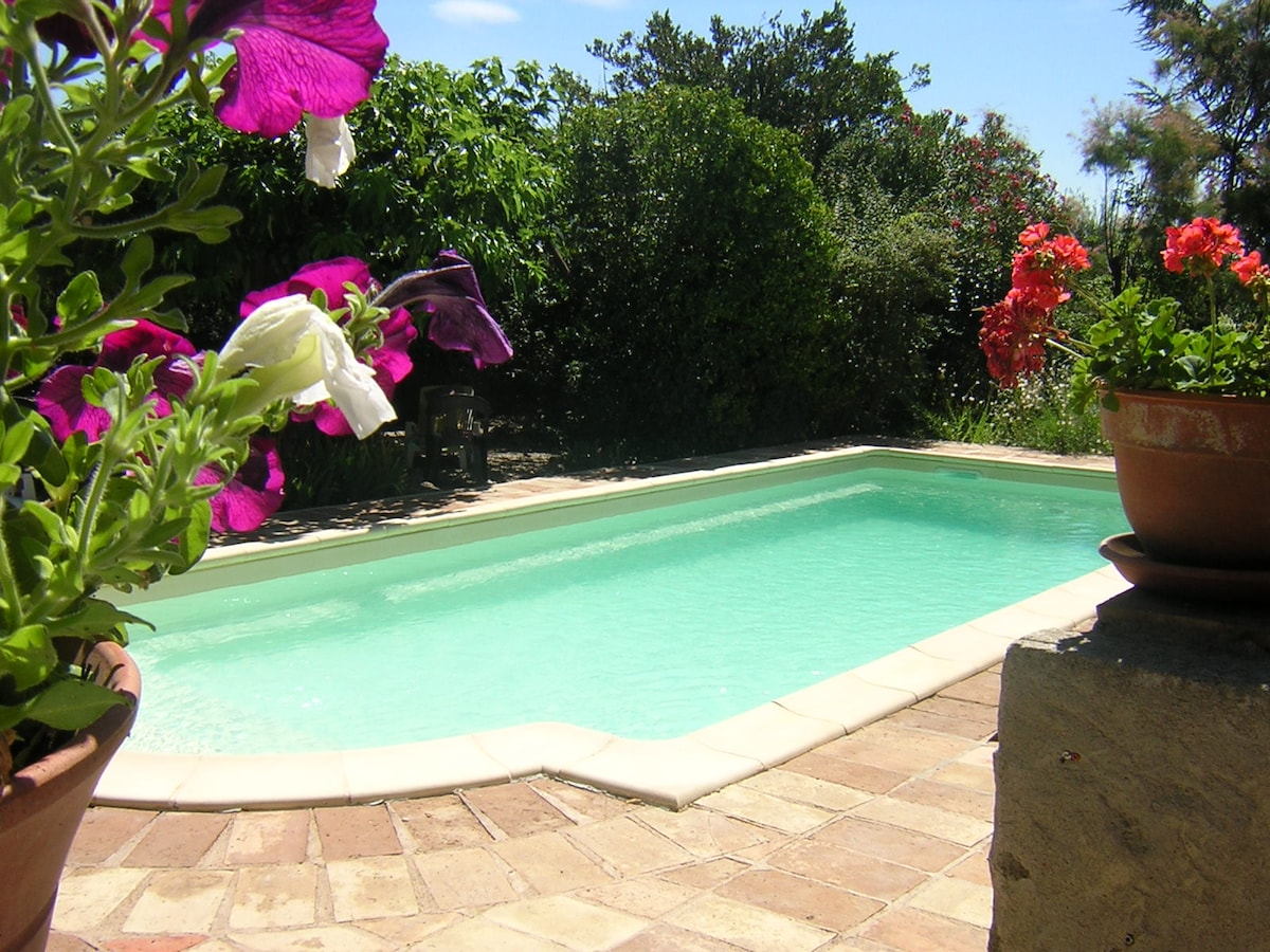 Spacious, beautiful, quirky & pool