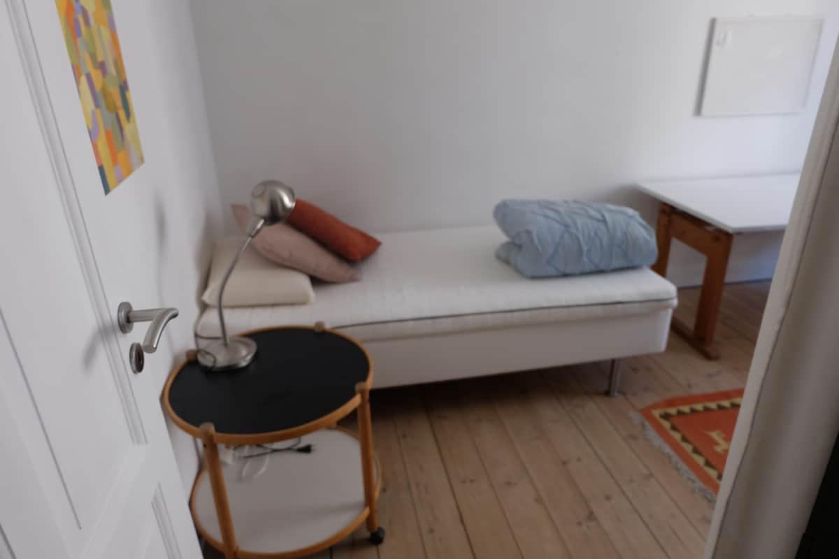 Copenhagen room, WiFi, easy access
